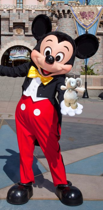 elefante Disneyland con mickey
