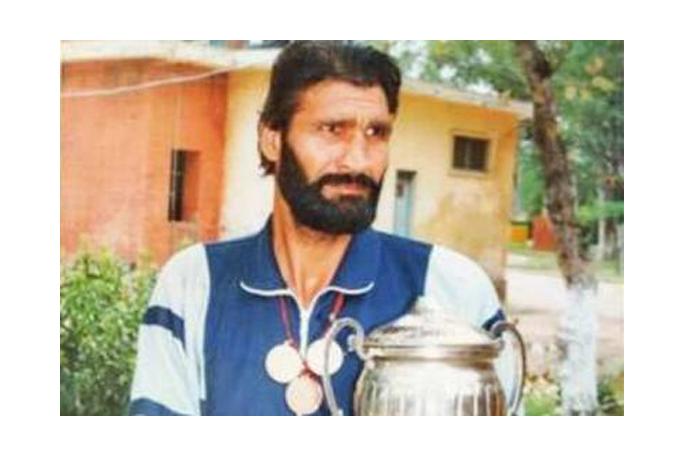 boxeador Kaur Singh