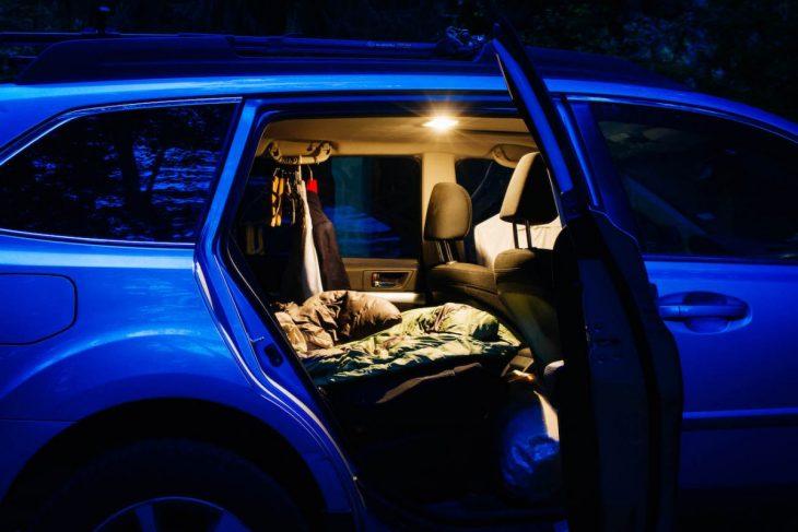 carro de noche