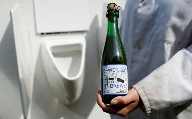 cerveza con agua de orinales