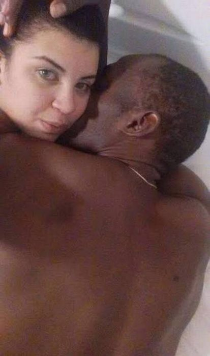 mujer selfie con bolt