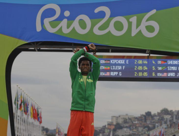 competidor oromo en podio