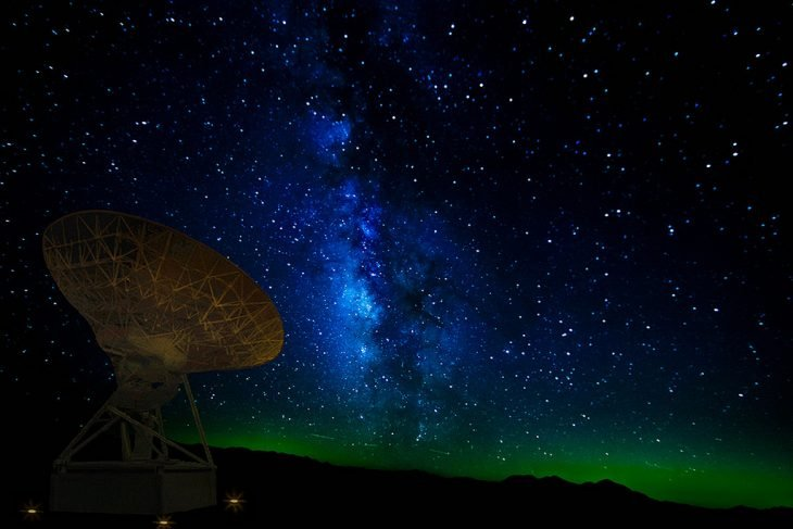 Telescopio hacia las estrellas