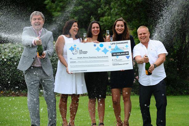 familia gana la loteria