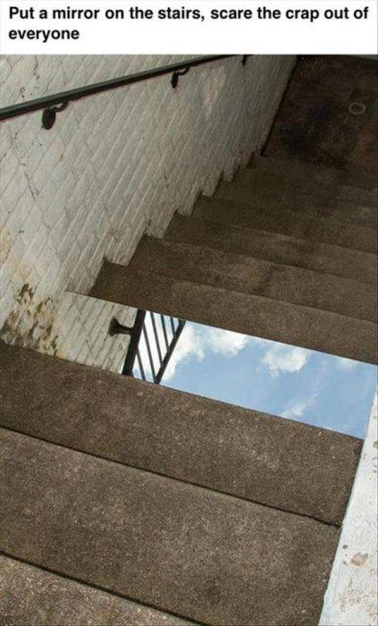 espejo en escalera