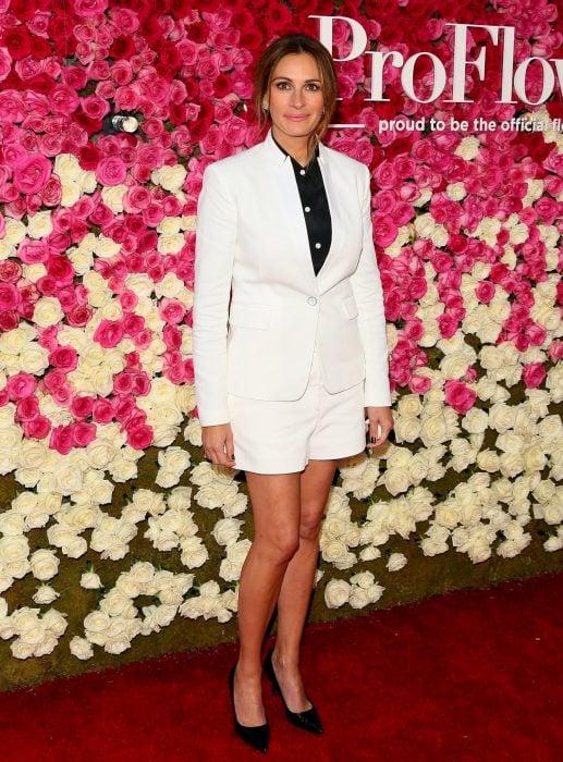 Julia Roberts entre flores
