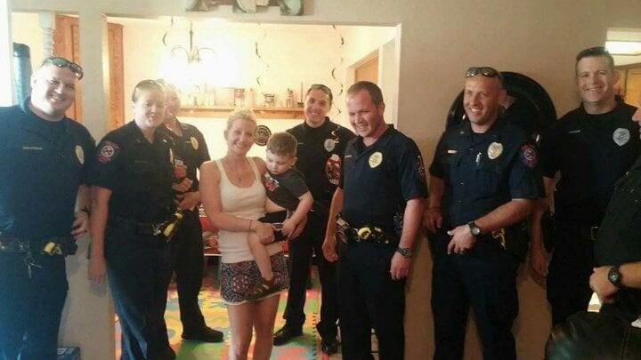 policia y familia