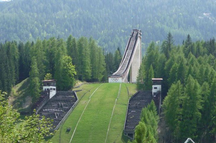 Torre de salto en ski en Italia 56