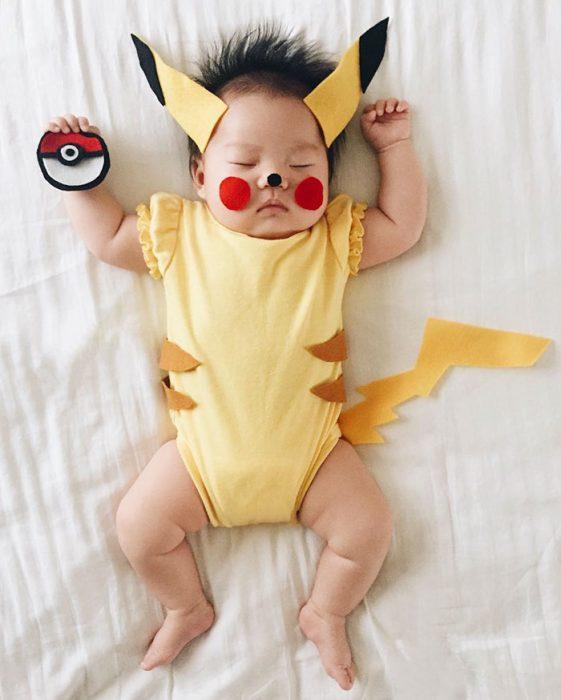 pikachu bebe