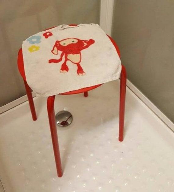 silla roja de Ikea