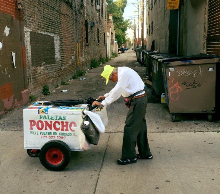 Fidencio Sánchez, vendedor de paletas en Chicago