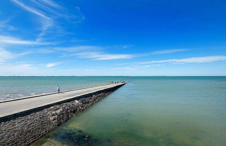 camino en el mar