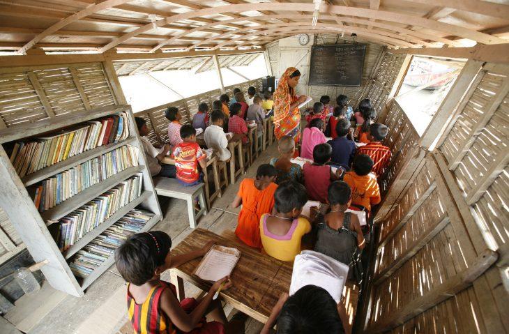 Barco-escuela en Bangladesh