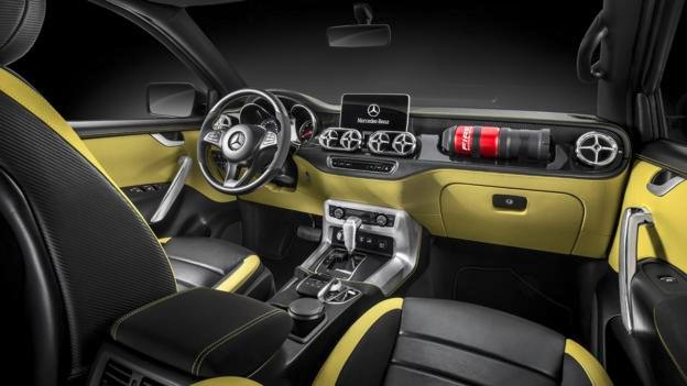 interior pickup mercedes