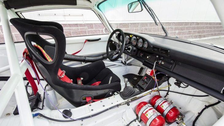 Interior del Porsche 911 GT2 Evo