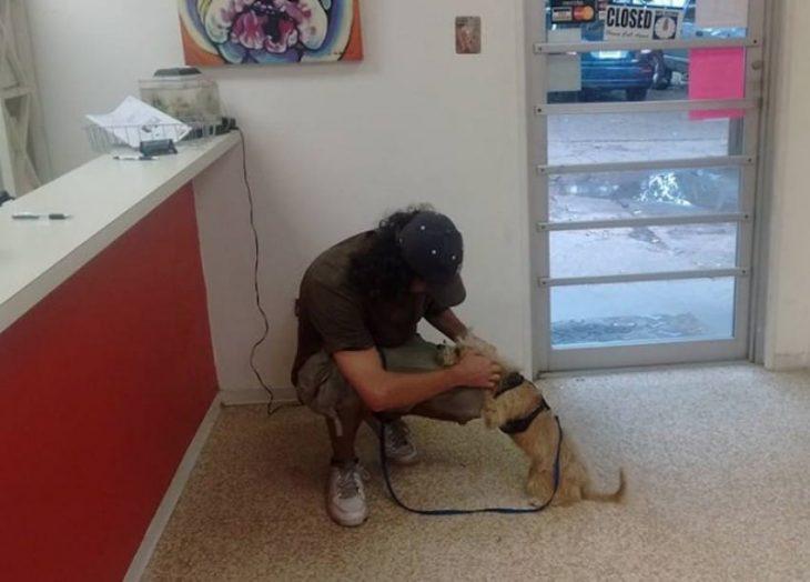 Indigente con su perrito