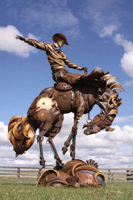 rodeo escultura