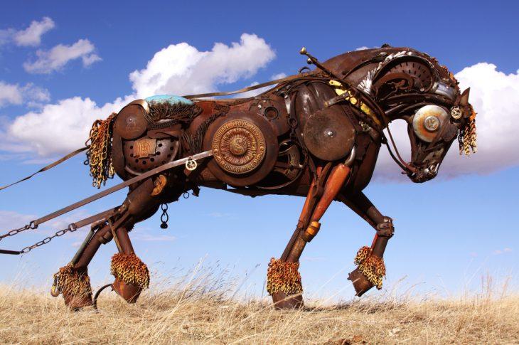 caballo escultura