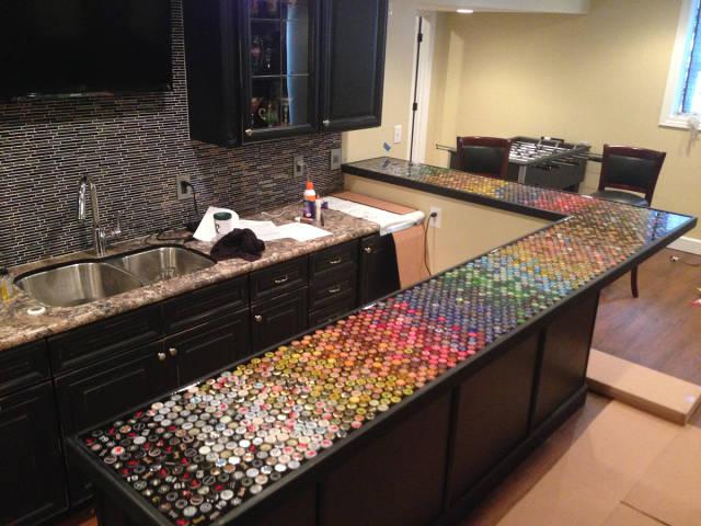 Barra de cocina en escuadra tapas cerveza