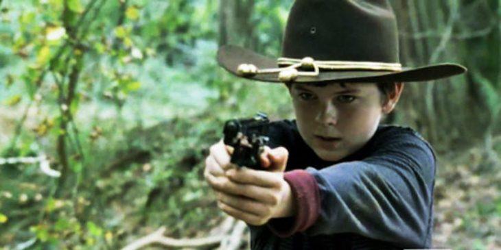 niño armado