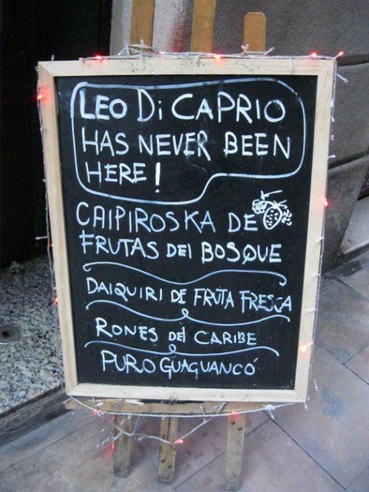 letrero bar dicaprio