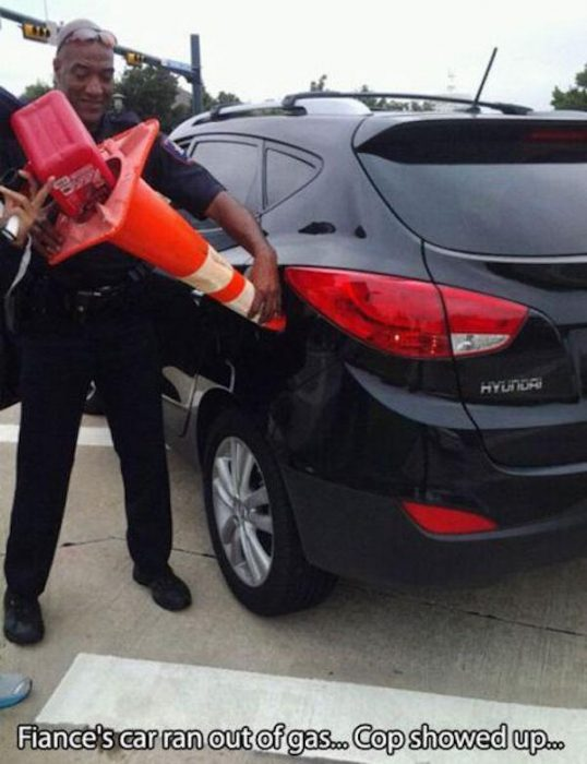gasolina policia