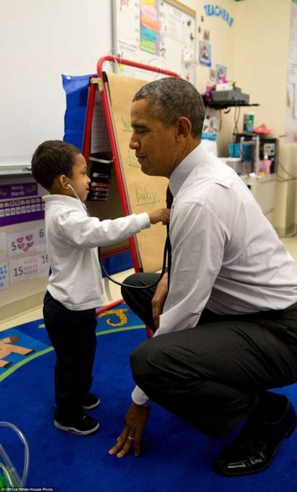 obama y niño