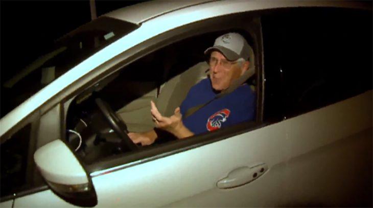 Conduce toda la noche para escuchar partido de los Cubs en la tumba de su padre