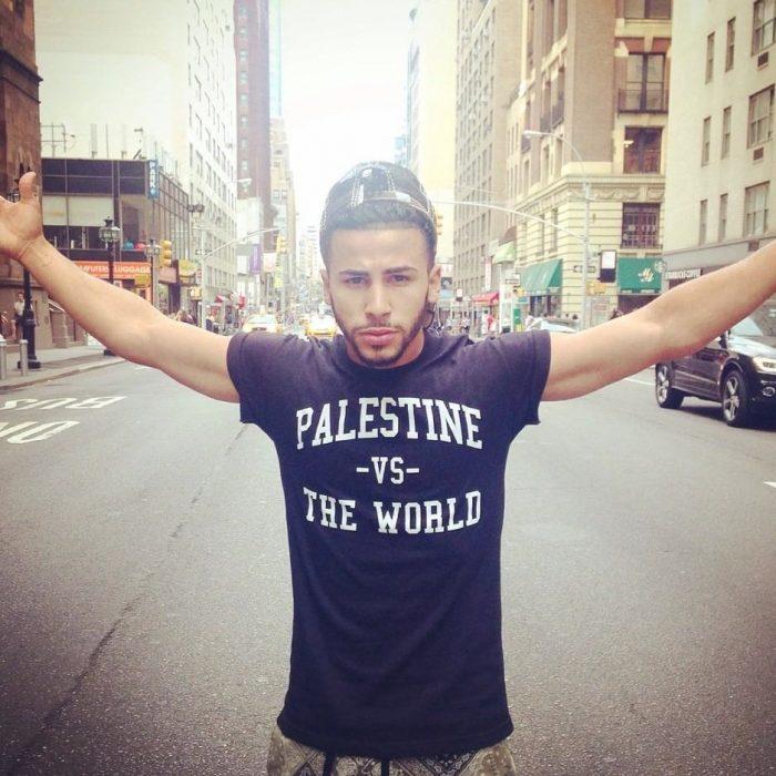 Adam Saleh en la calle