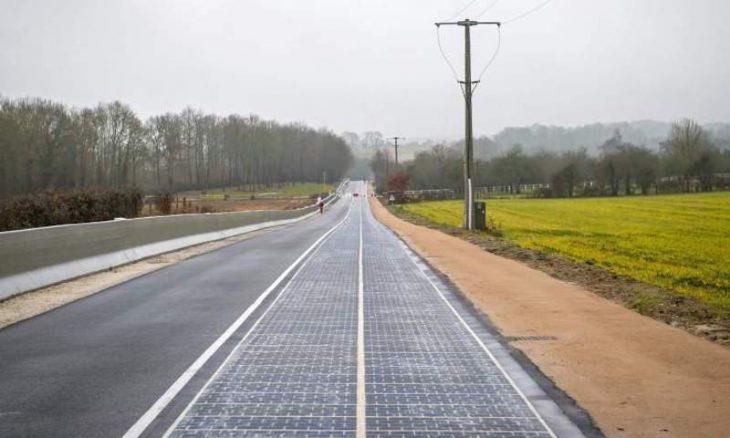 Carretera solar en Normandía