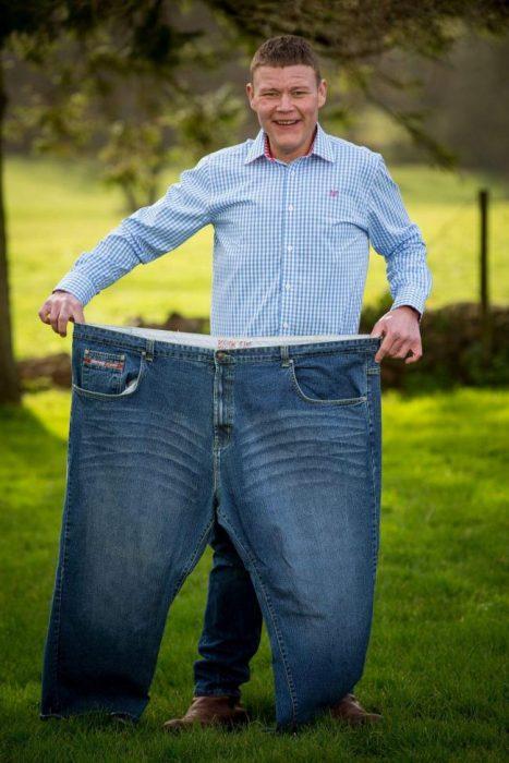 Hombre anteriormente obeso
