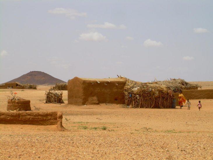 Casa en el desierto de Sudán
