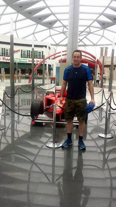 Turista en parque Ferrari
