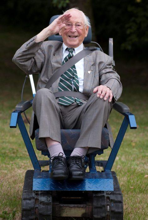 veterano silla motorizada