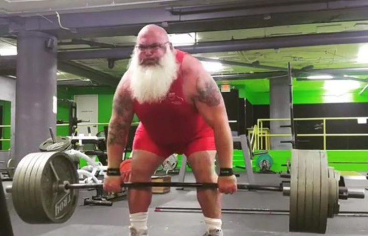 Santa fuerte
