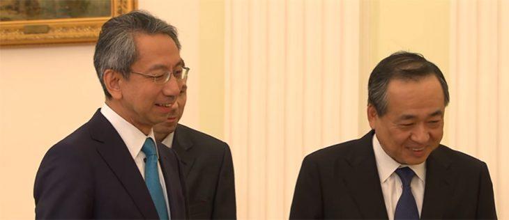 Periodistas japoneses con Putin