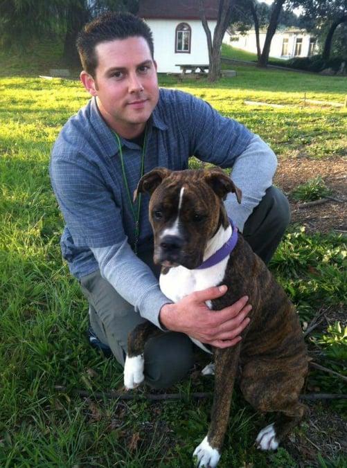 Ryan con su perro