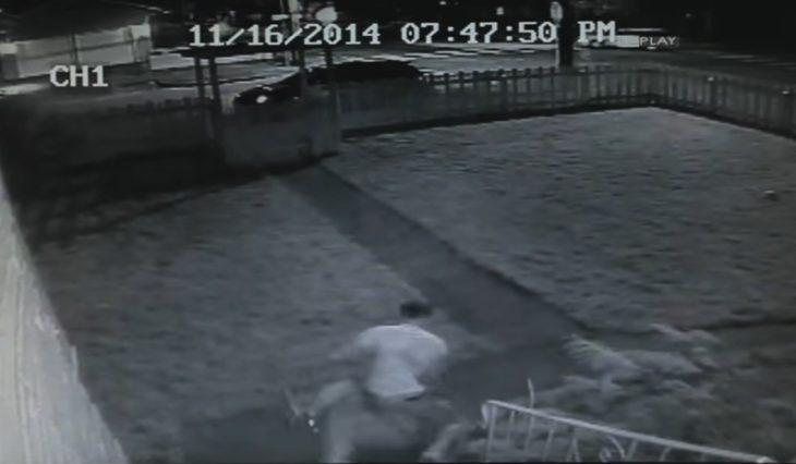 Hombres captados por cámara de seguridad
