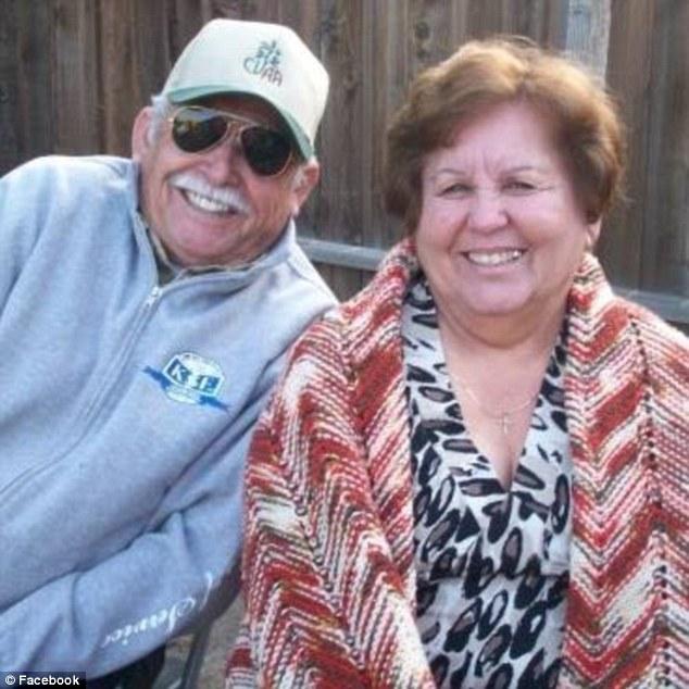 Resultado de imagen para Uno más… Policías de EU confunden crucifijo con arma y matan a un abuelo mexicano