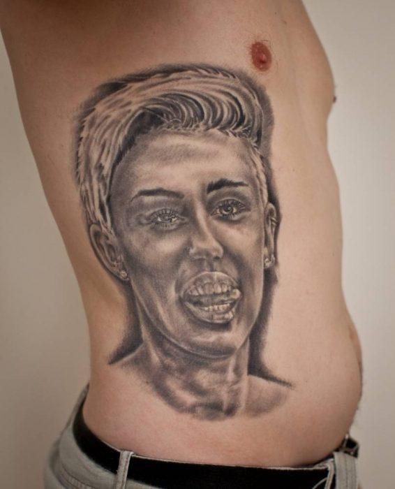 Tatuaje del rostro de Miley Cyrus