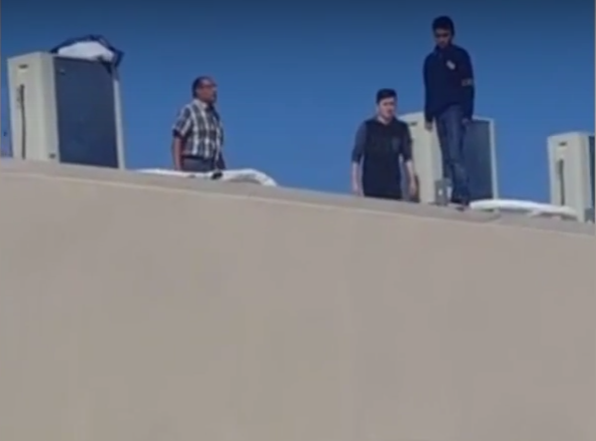 Joven intenta suicidarse tras saltar de adificio
