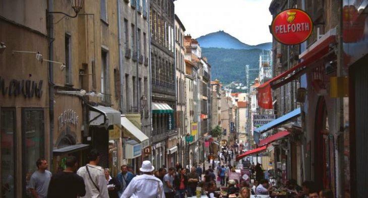 Calle de Clermont Ferrand en Francia