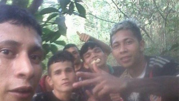 Brayan y otros reos fugitivos en la selva