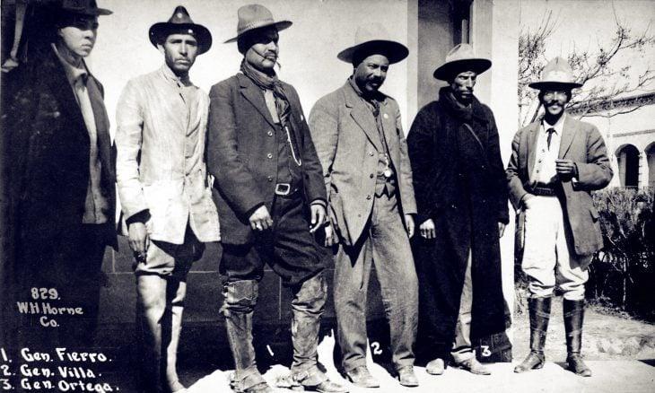 villa y soldados
