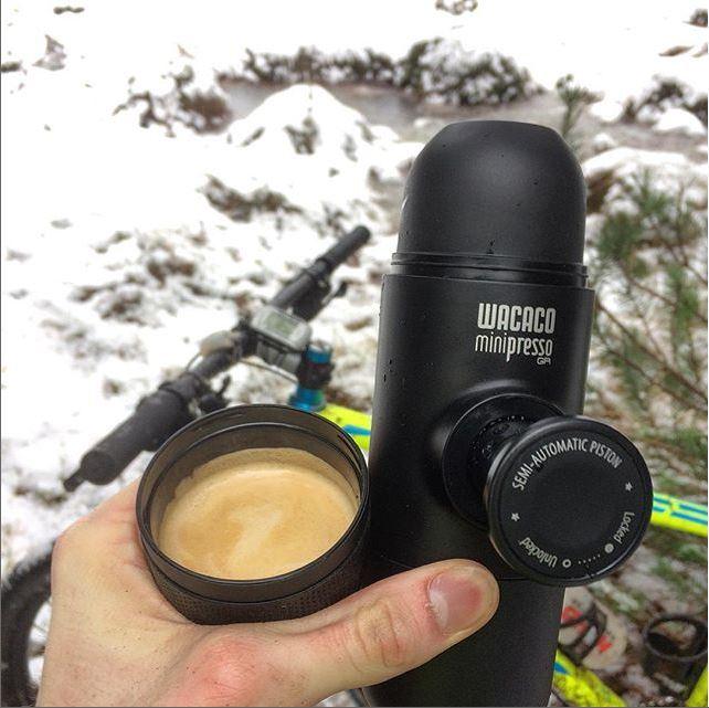 Minipresso en la nieve