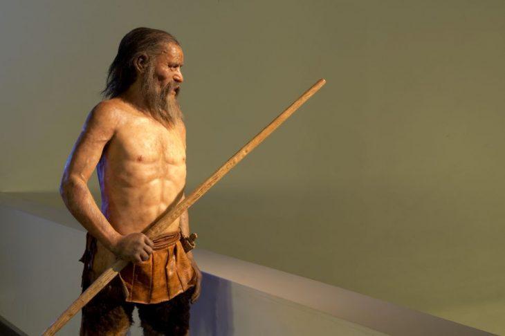Ötzi con palo