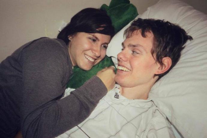 Esposa junto con Matt sonriendo