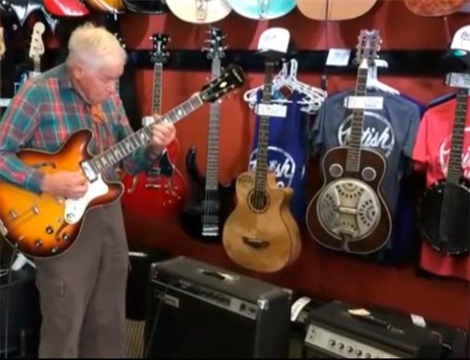 Abuelo guitarrista