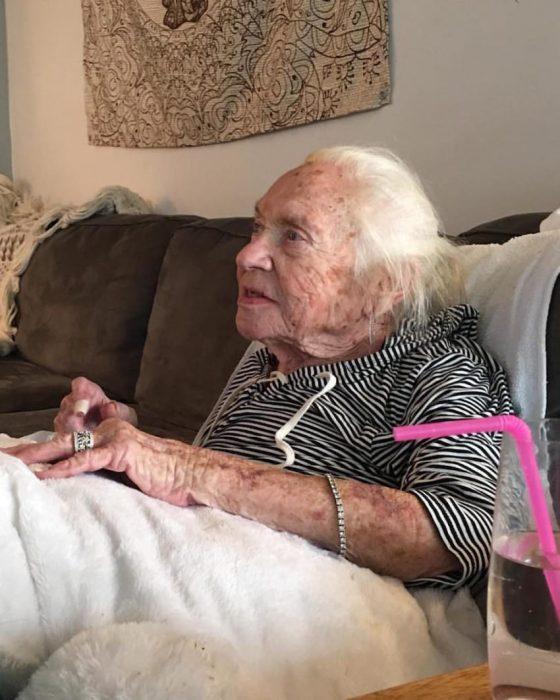 abuela sin casa