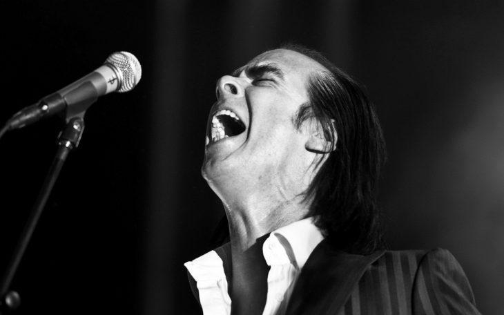 Nick Cave cantando